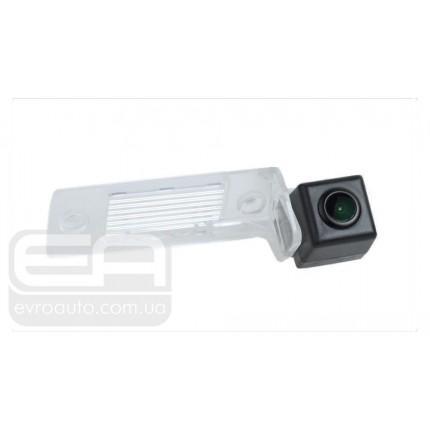 Штатная автомобильная камера заднего вида VOLKSWAGEN Tiguan, SKODA Fabia 2012-2013