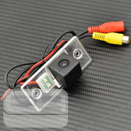 Штатная автомобильная камера заднео вида SKODA Fabia, VW Santana
